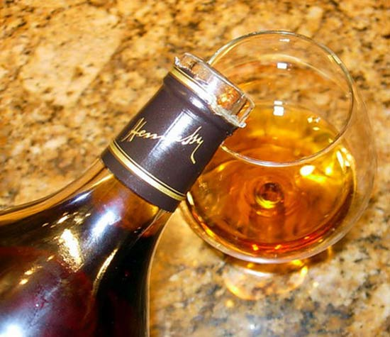 http://good-tips.pro/images/Articles/cognac/cognac_bottle.jpg