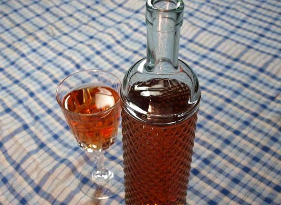 Сухое клубничное вино