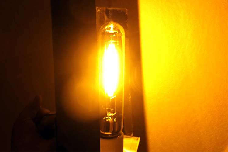 Свет от лампы ДНаТ