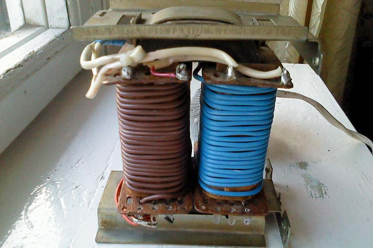 Трансформатор для зарядного своими руками 766